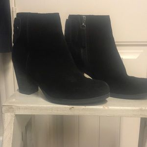 Clark's black leather and suede boots 6